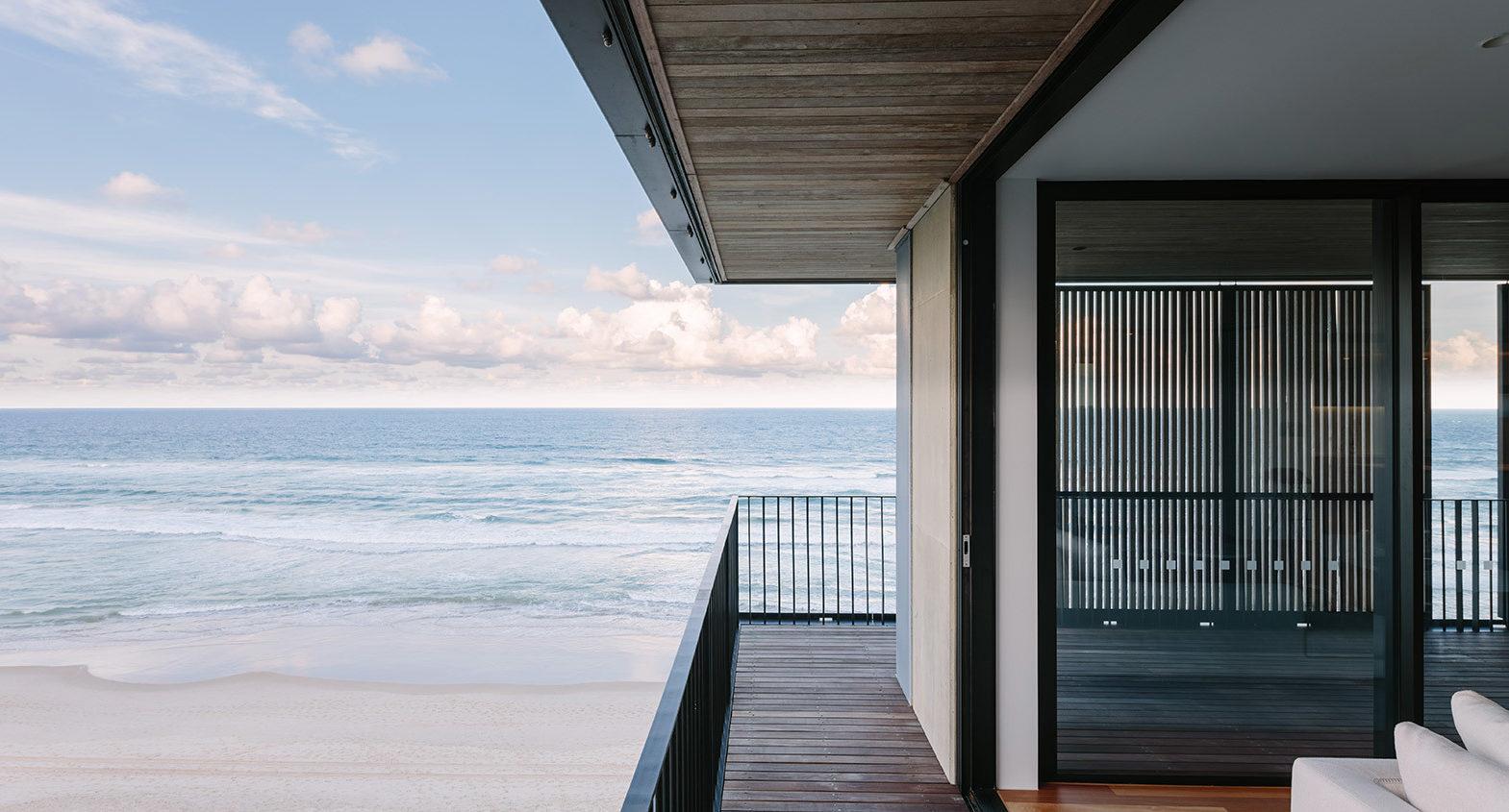 M3565 Main Beach